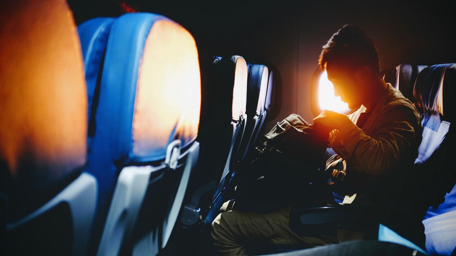 اشیای ممنوعه در کابین هواپیما را بشناسید