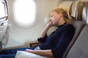 خوابیدن در پرواز طولانی