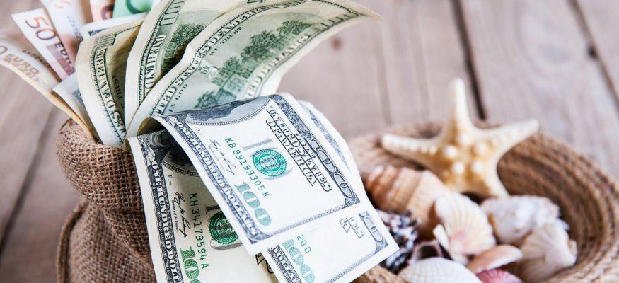 دلار و سفر