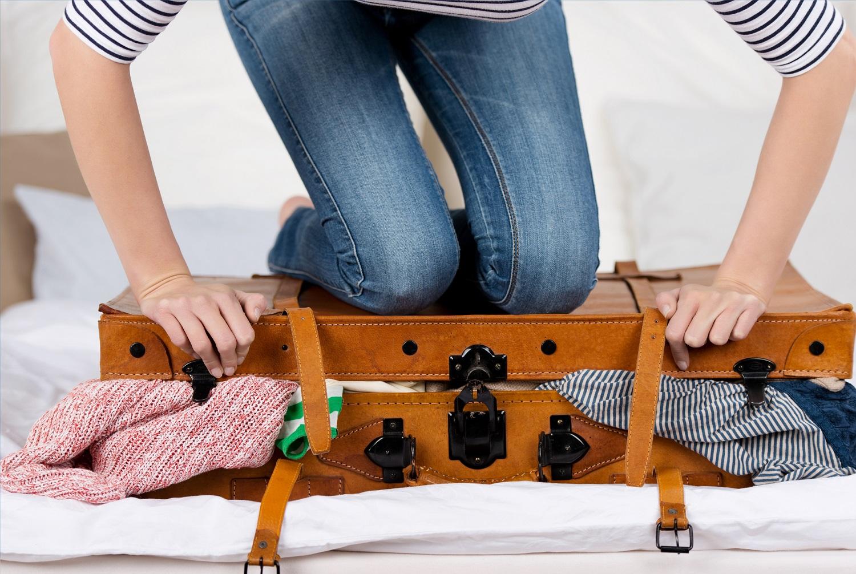 چطور یک کمد لباس را در یک چمدان جا کنیم