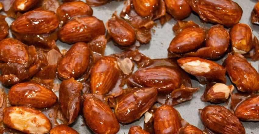 بادام سوخته از سوغات شیراز شیرینی های شیراز