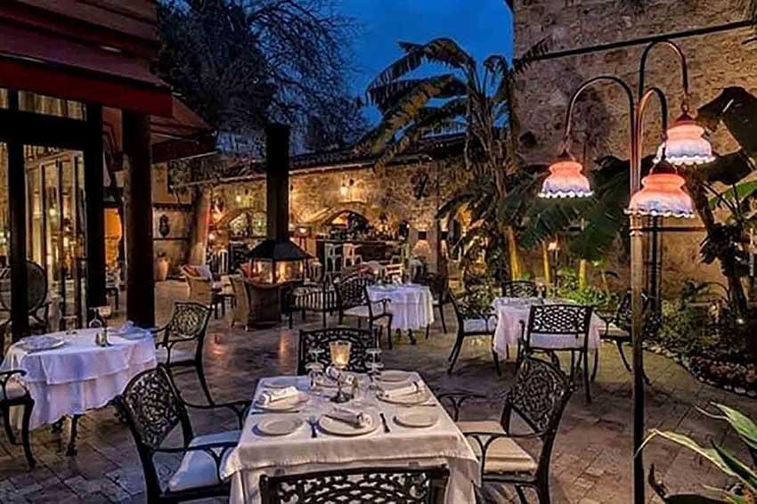 رستوران سراسر آنتالیا