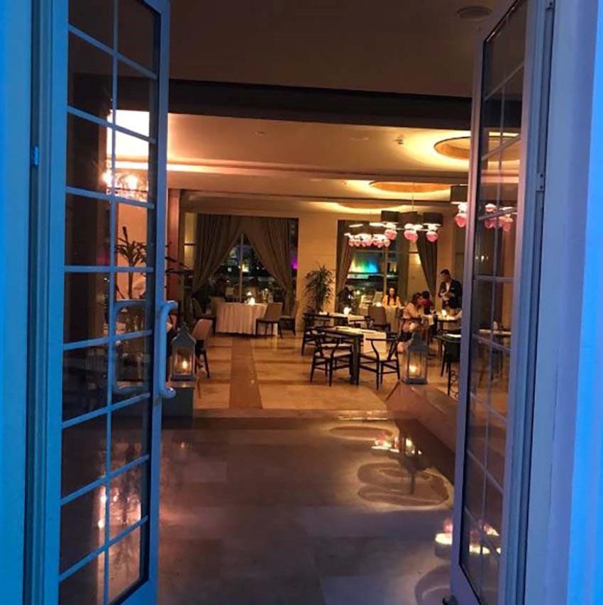 رستوران هتل آسکا لارا