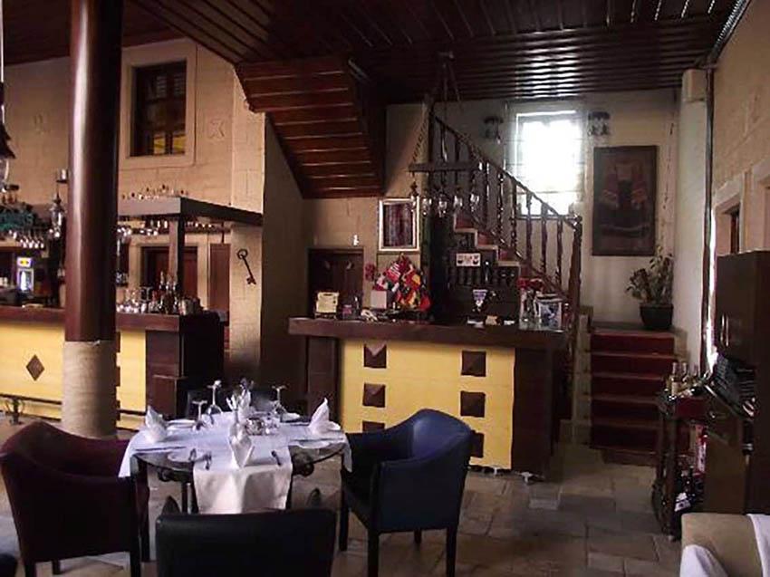 رستوران هتل اوتانتیک آنتالیا ترکیه