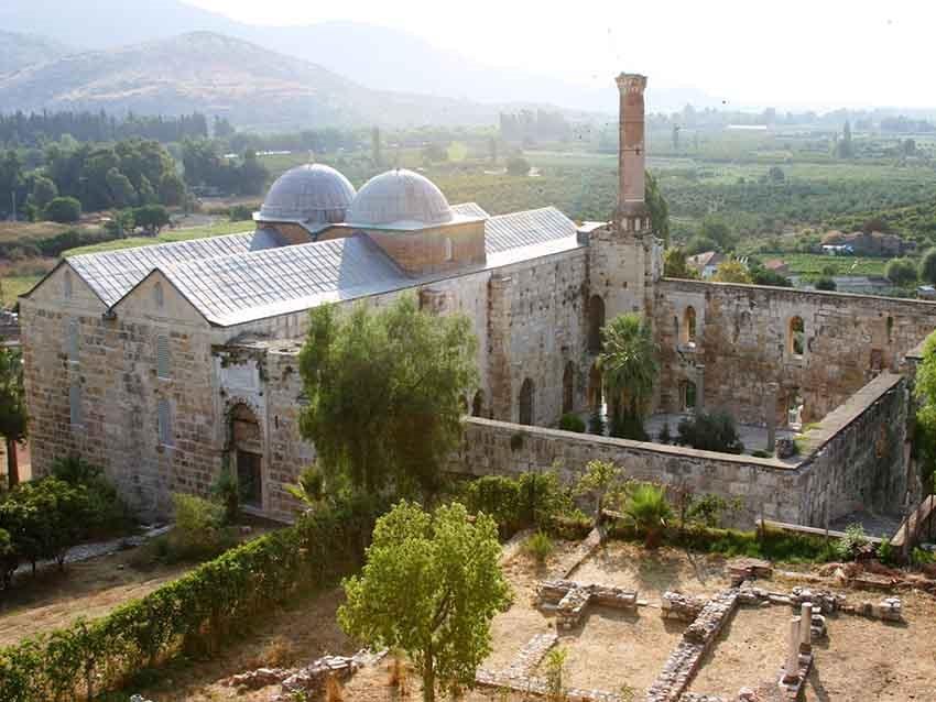 مسجد عیسی بیک - جاهای دیدنی کوش آداسی
