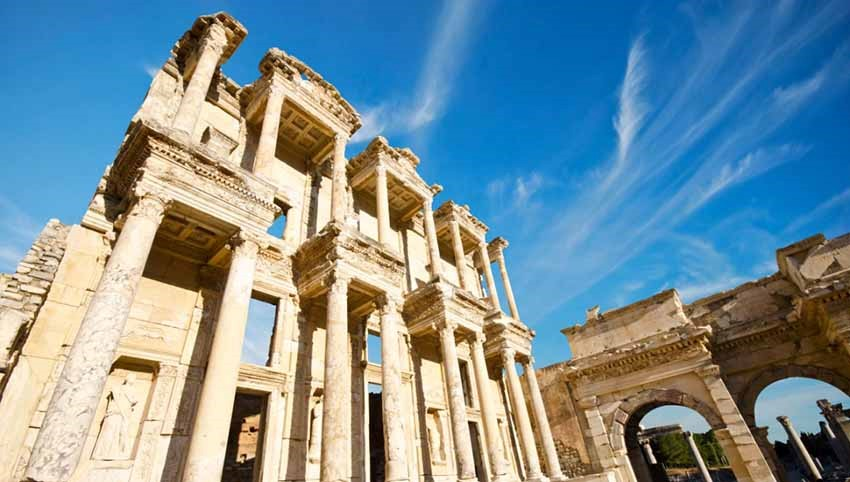 جاهای تاریخی کوش آداسی - افسوس