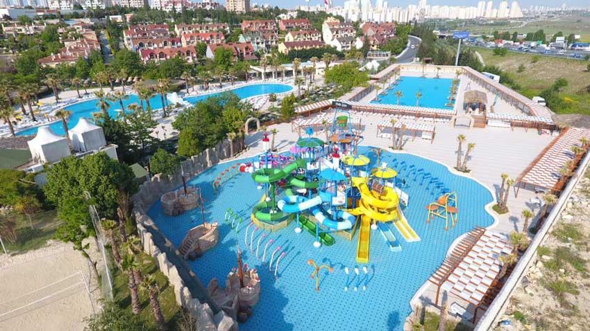 پارک آبی دلفین استانبول