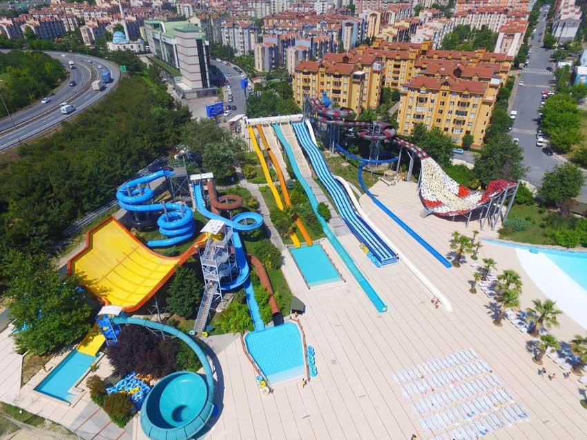 پارک آبی دلفین در استانبول