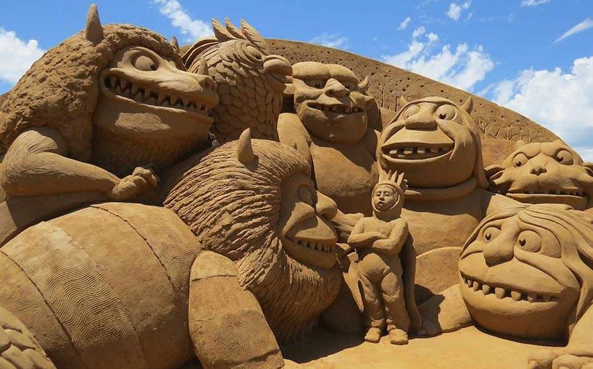 سفر به آنتالیا - ساخت قلعه شنی