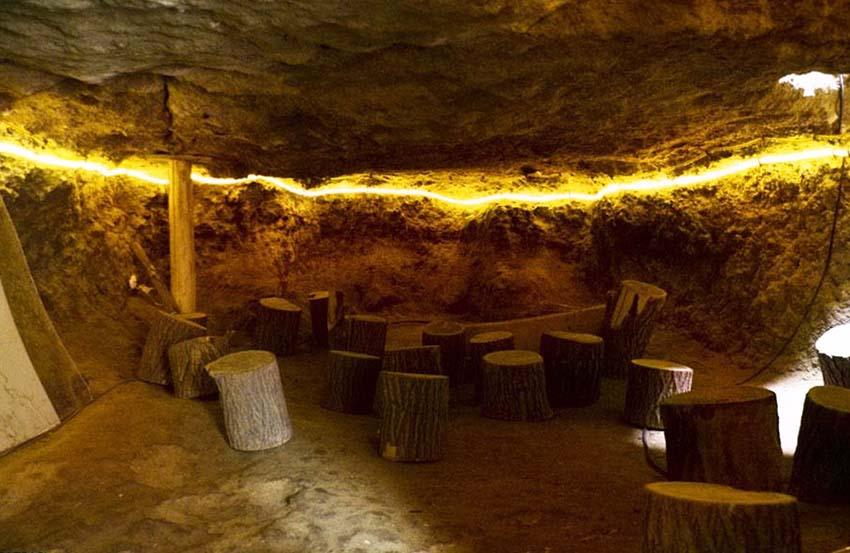 غار نیاسر کاشان