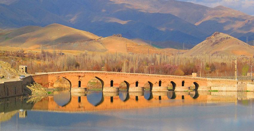 پل قشلاق از جاهای تاریخی سنندج