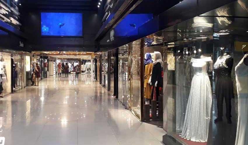 مرکز خرید ونک از معروفترین مراکز خرید در تهران