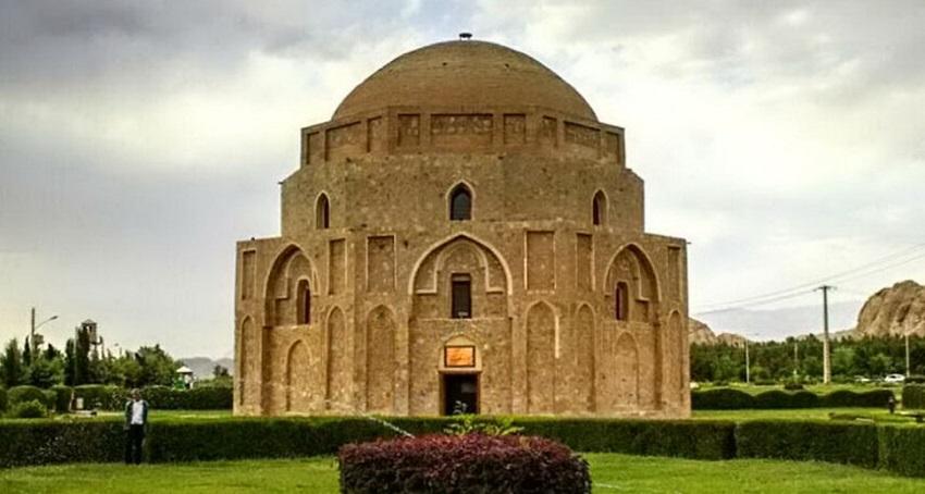 گنبد جبلیه از دیدنی های کرمان