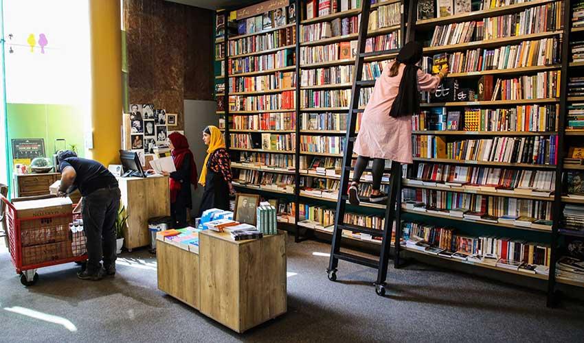 کرونا کتابفروشی باسابقه شیراز را نقره داغ کرد