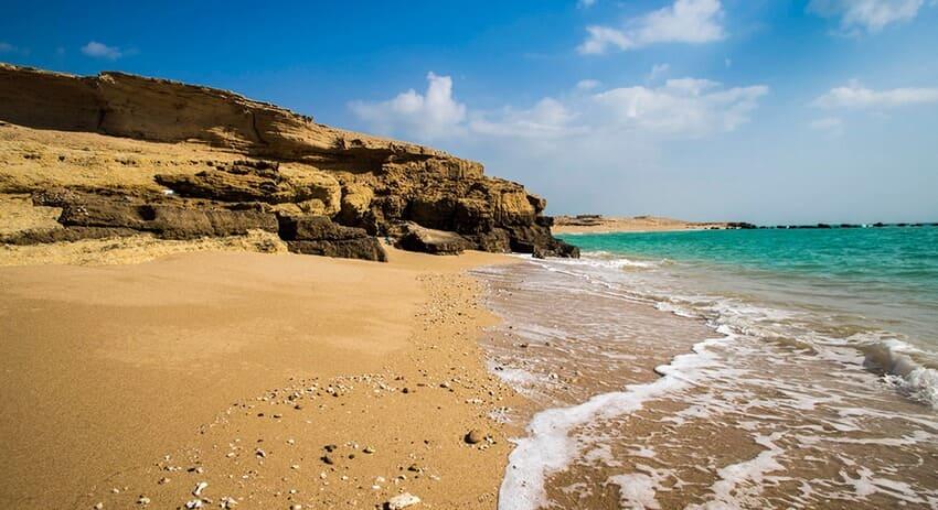 ساحل هنگام از زیباترین سواحل ایران