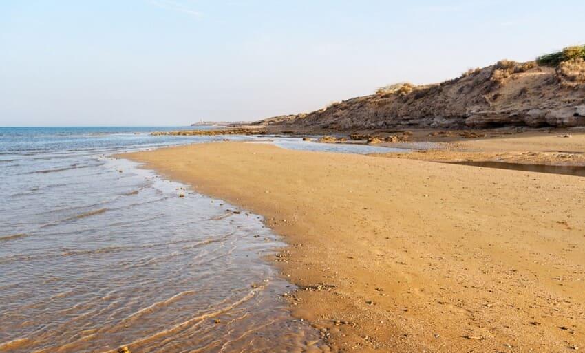 ساحل ریشهر از زیباترین سواحل جنوب ایران