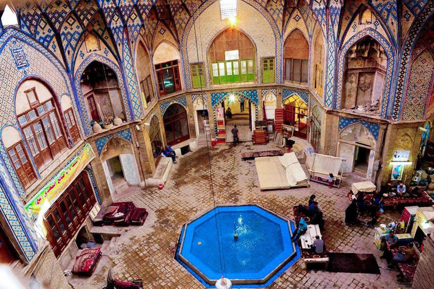 بازار سنتی کاشان از بازارهای سنتی ایران