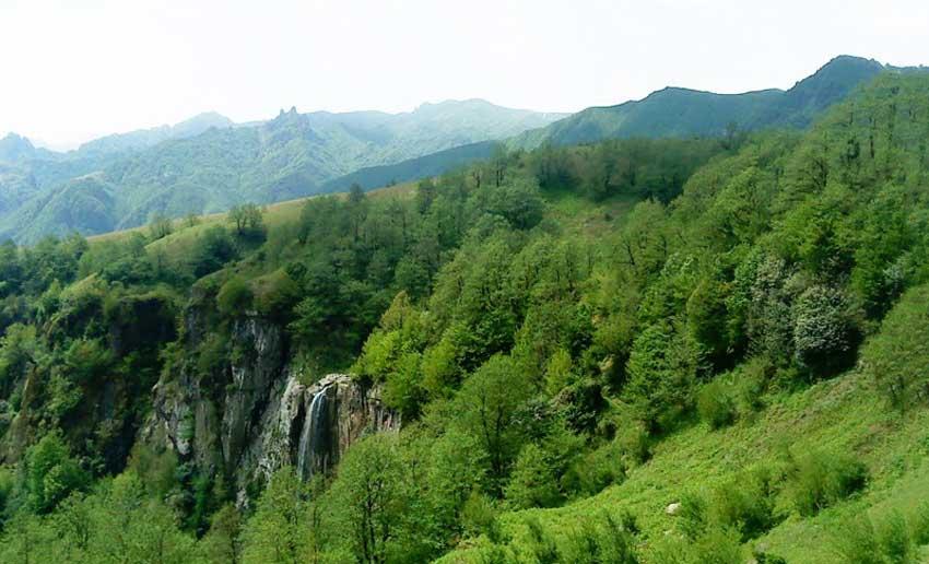 مناظر آبشار لاتون