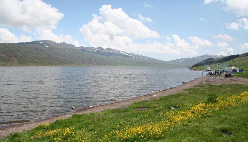 دریاچه نئور از دیدنی های اردبیل