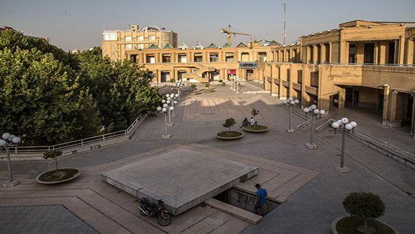 فضای روبروی هتل عباسی اصفهان