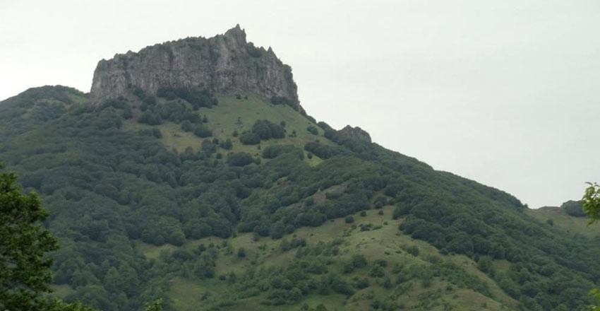 قله اسپیناس