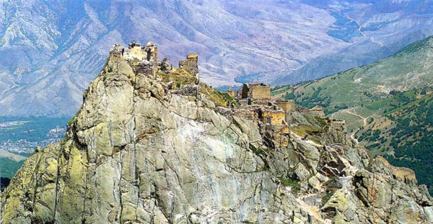 جاذبه های قلعه بابک