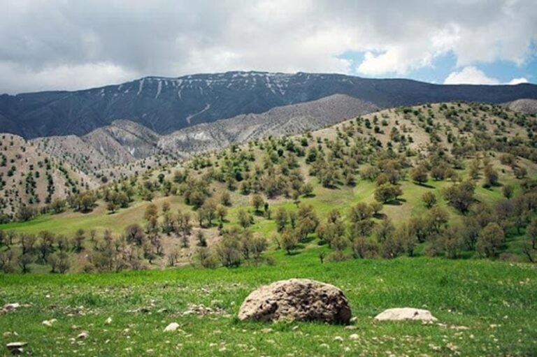 کوه اهوران در استان  ایلام