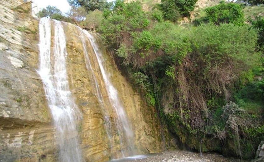 آبشار اما از مکان های دیدنی ایلام