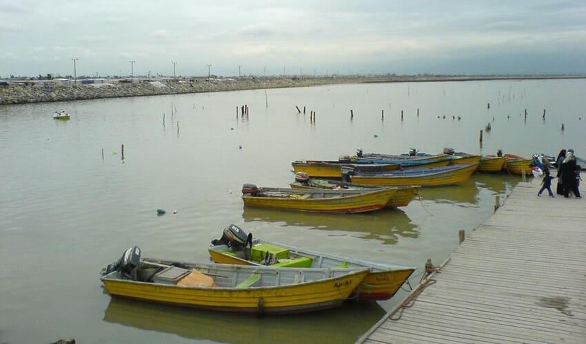 جزیره آشوراده قایق