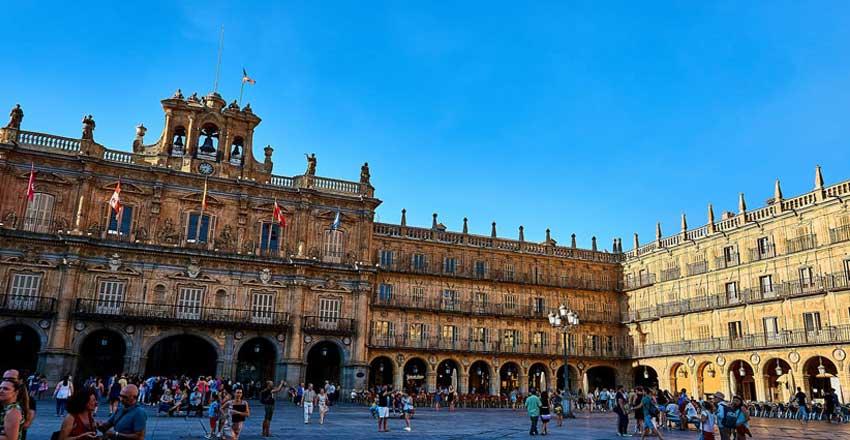 میدان سالامانکا از جاهای دیدنی اسپانیا