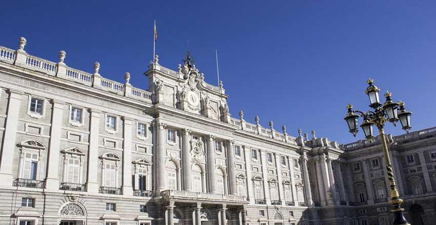 کاخ سلطنتی مادرید از جاهای دیدنی اسپانیا
