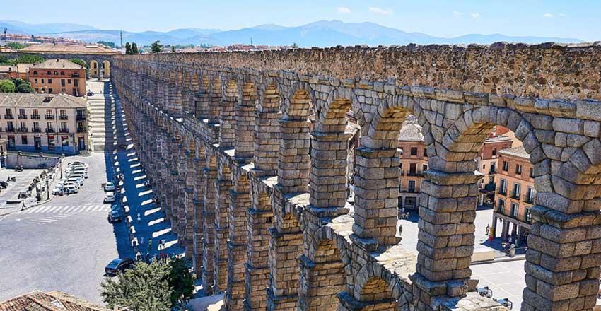 قنات رومی سگوویا از جاهای دیدنی اسپانیا