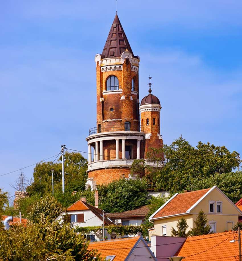 برج گاردوس - سفر به بلگراد