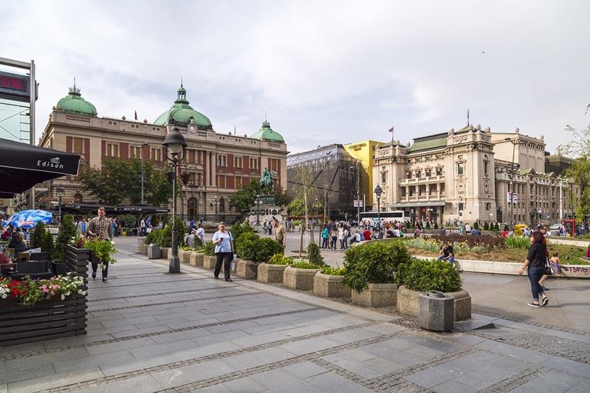 میدان جمهوری - سفر به بلگراد