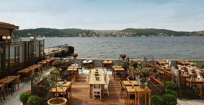 رستوران در جزیره بیوک آدا
