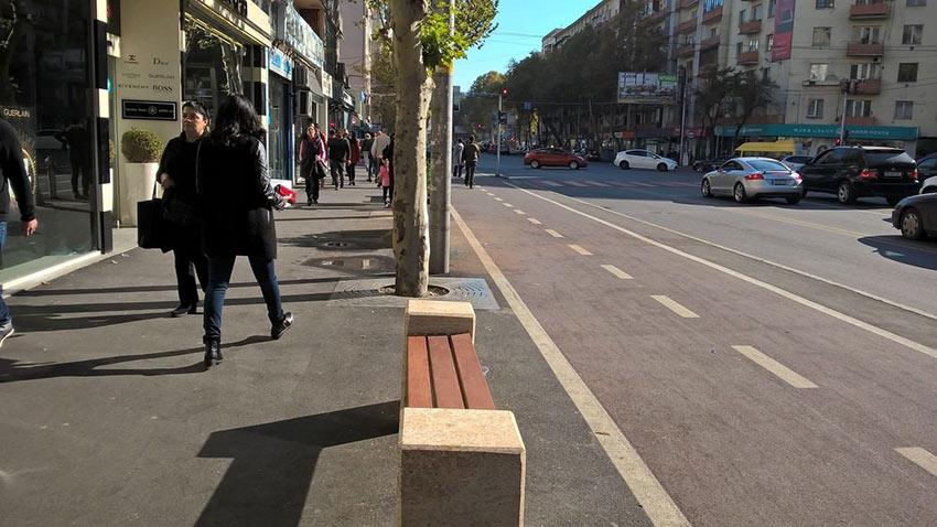 خیابان پکینی - مراکز خرید تفلیس