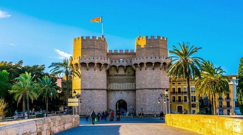 برجهای سرانوس - جاهای دیدنی والنسیا اسپانیا
