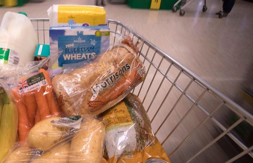 خرید از سوپرمارکت در سفر