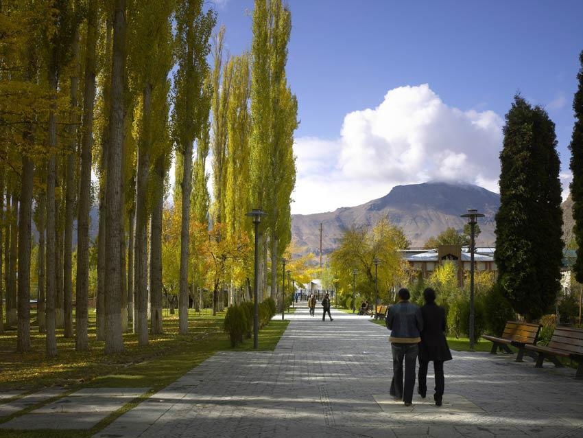 پارک مرکزی خاروغ