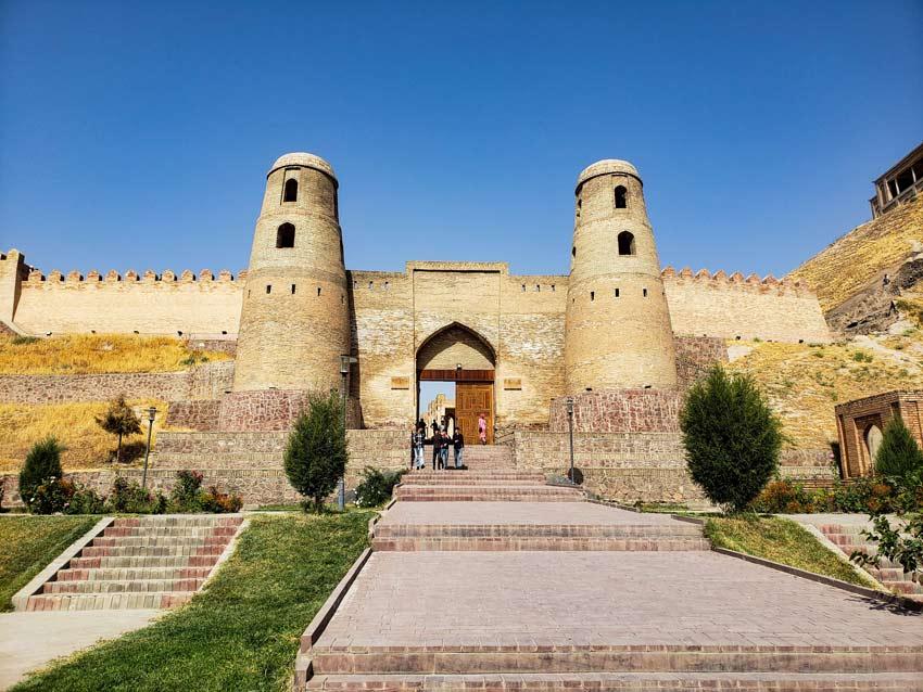 قلعه حصار - جاهای دیدنی تاجیکستان