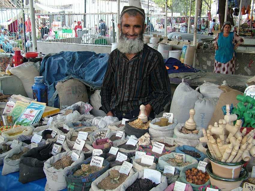 بازار شاه منصور از دیدنی های تاجیکستان