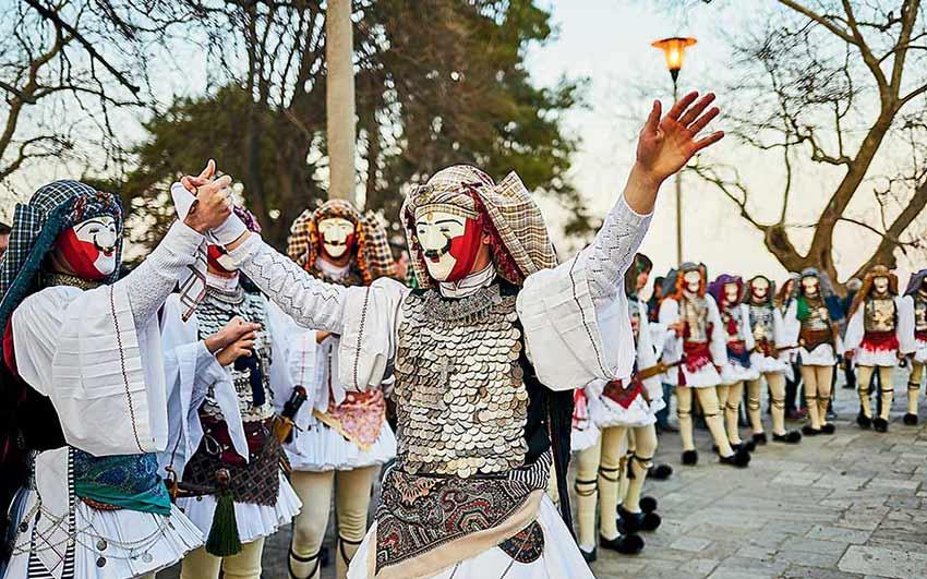 روایت نقابها در نائوسا - کارناوال های یونان