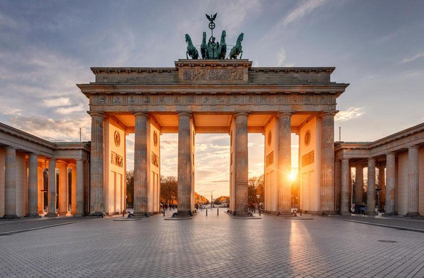 دروازه برندنبرگ - جاهای دیدنی برلین