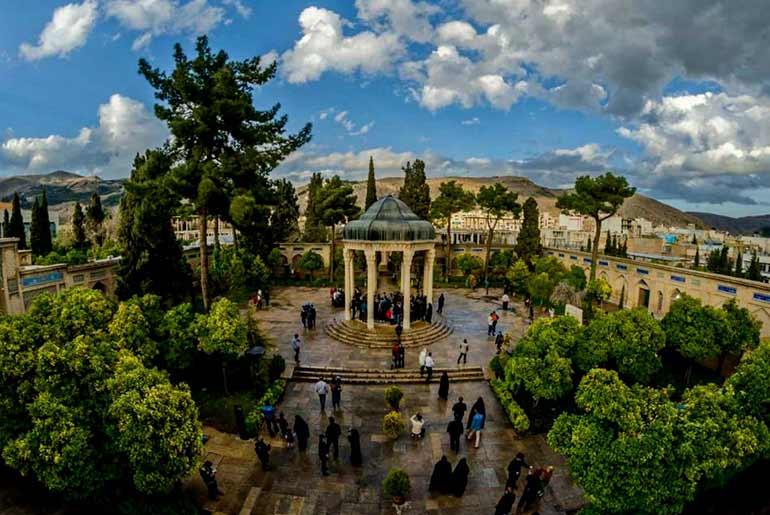 آرامگاه حافظ شیراز؛ به دیدار لسان الغیب شیراز برویم