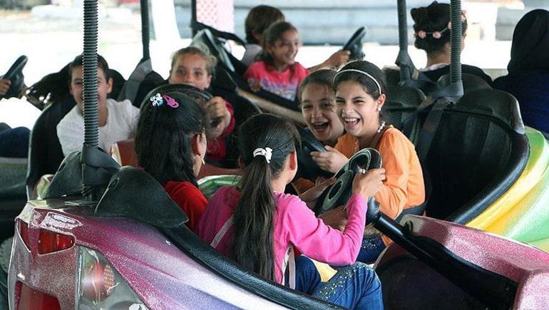 با جاهای دیدنی مشهد برای کودکان بیشتر آشنا شوید
