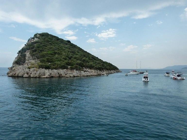هزینههای تور گردشگری و غواصی در جزیره
