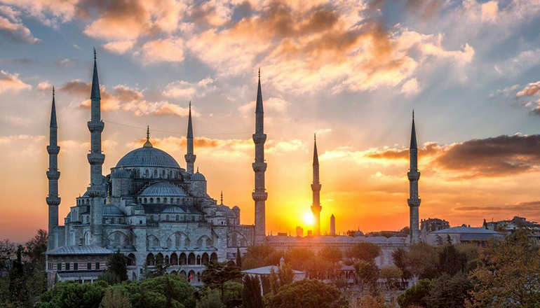 نشستوبرخاست با علی بابا و پرواز تا استانبول