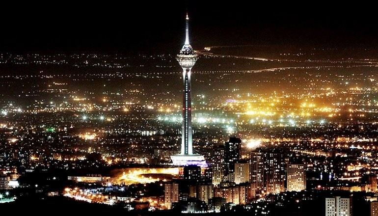 ایستاده بر بام های تهران