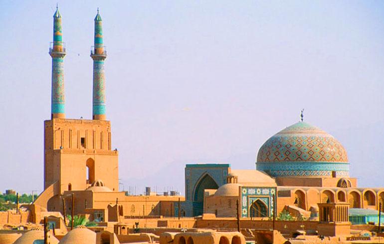 مسجد جامع یزد و منارههای تاریخی شهر