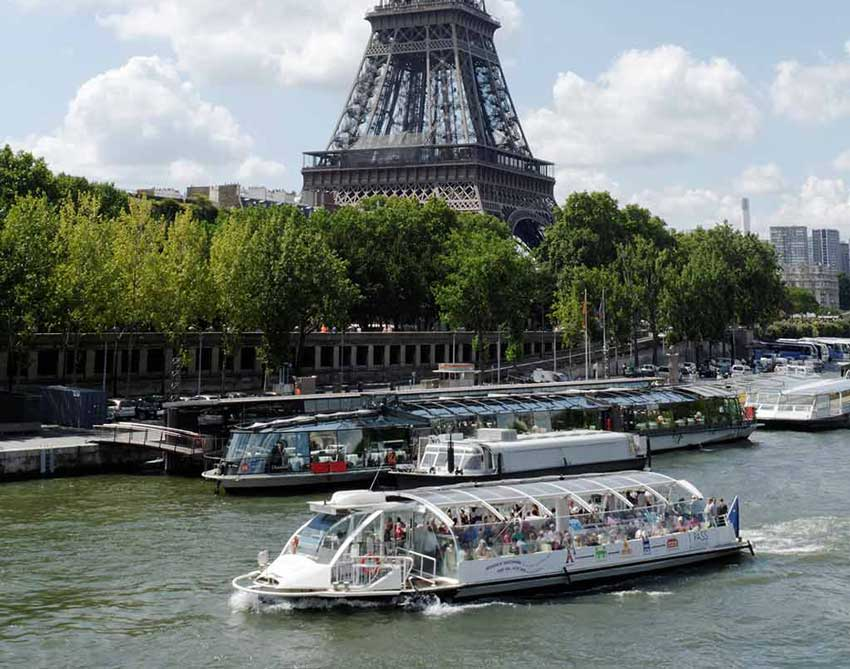 قایق اتوبوسی سفر به پاریس